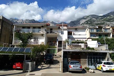 Für 9 Personen: Hübsches Apartment / Ferienwohnung in der Region Makarska