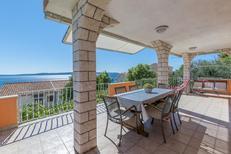 Appartement 678720 voor 6 personen in Rastići