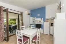 Appartement 678766 voor 4 personen in Rastići