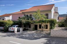 Ferienwohnung 679394 für 2 Personen in Stari Grad