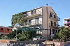 Ferienwohnung 679406 für 2 Personen in Stari Grad