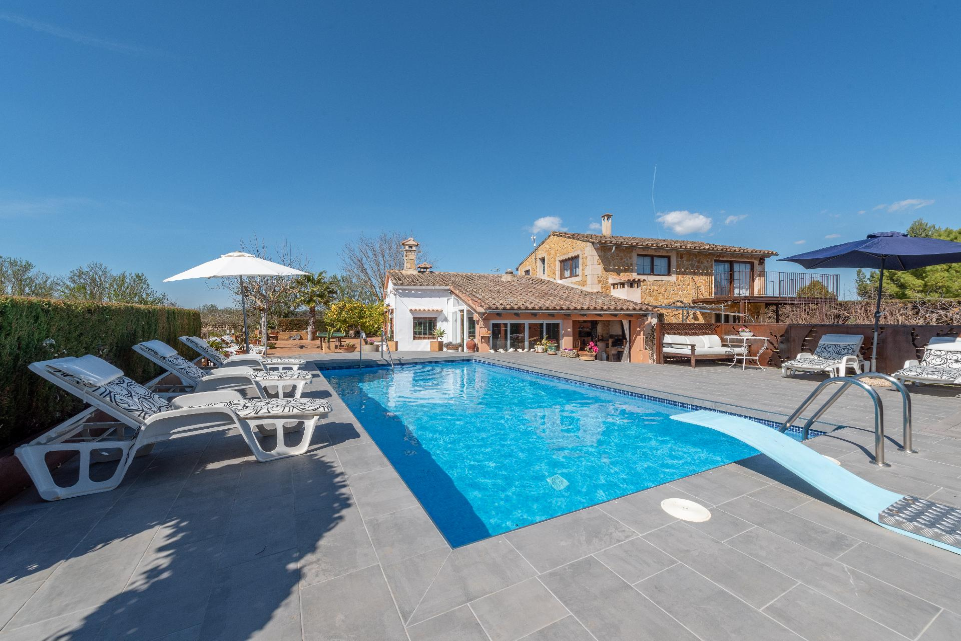 Ferienhaus mit Privatpool für 9 Personen ca.   in Spanien