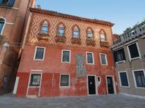 Ferienwohnung 681341 für 5 Personen in Venedig