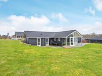 Vakantiehuis 685994 voor 12 personen in Kelstrup Strand