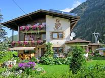 Ferienwohnung 688644 für 8 Personen in Längenfeld