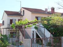 Holiday apartment 692304 for 4 persons in Supetar
