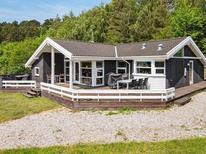Ferienwohnung 693448 für 8 Personen in Lyngsbæk Strand