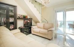 Appartement de vacances 695471 pour 4 personnes , Estepona