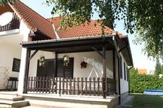 Ferienhaus 696714 für 4 Personen in Balatonmariafürdö
