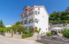 Ferienwohnung 710123 für 4 Personen in Crikvenica