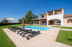 Casa de vacaciones 711718 para 6 adultos + 2 niños en Baderna
