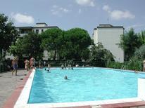 Ferienwohnung 711919 für 5 Personen in Lido di Spina