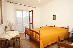 Ferienwohnung 715384 für 3 Personen in Stari Grad