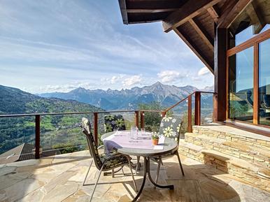 Gemütliches Ferienhaus : Region Wallis für 8 Personen