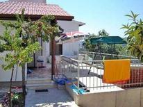 Vakantiehuis 729024 voor 8 volwassenen + 1 kind in Rogoznica