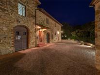 Ferienhaus 738523 für 4 Personen in Tavarnelle Val di Pesa