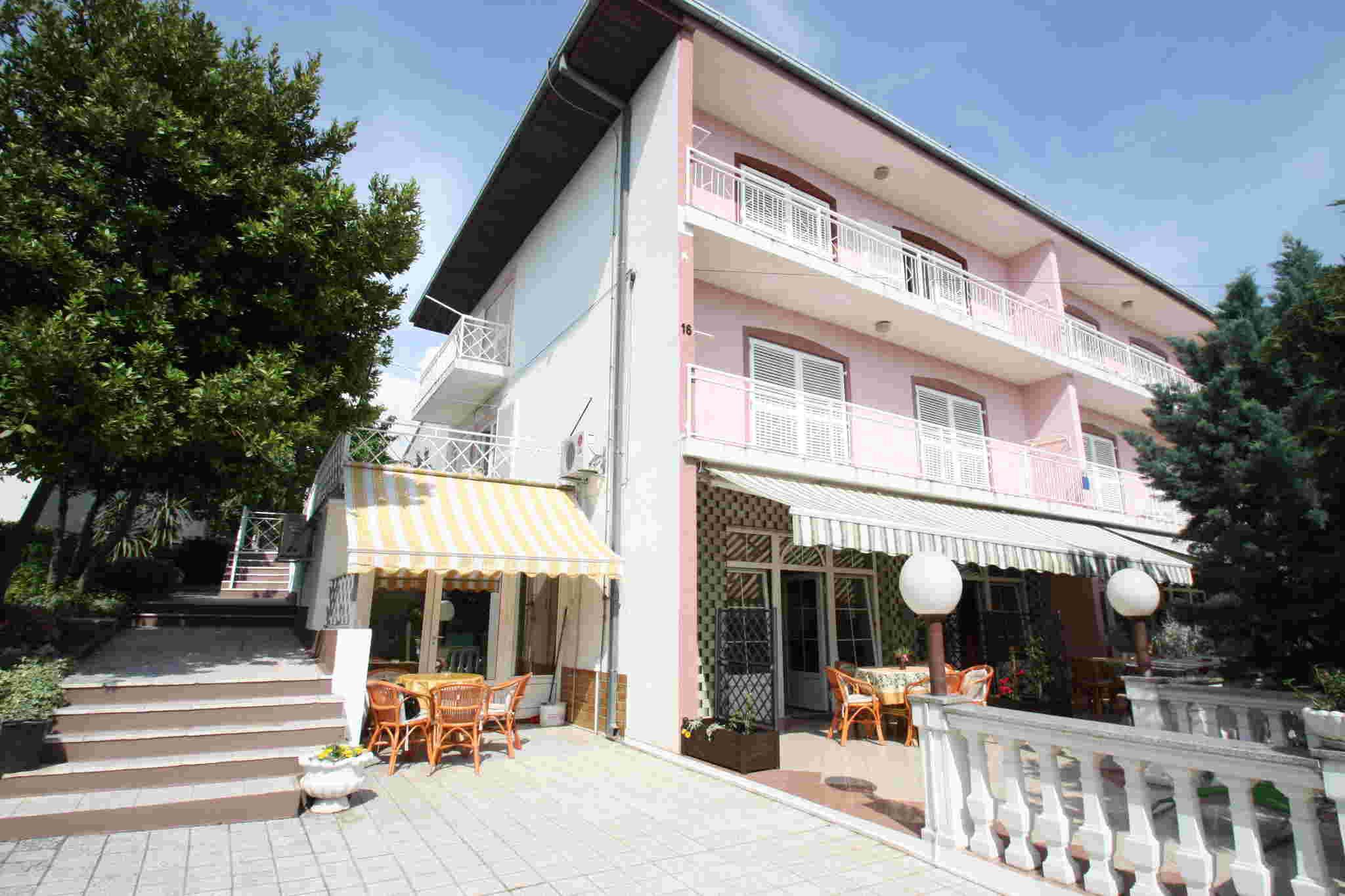 Ferienwohnung für 8 Personen ca. 90 m² i