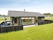 Appartement 743028 voor 8 personen in Nørlev Strand