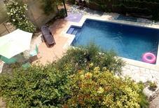 Casa de vacaciones 745381 para 7 adultos + 3 niños en Tarragona