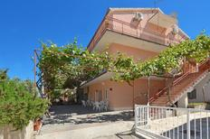 Holiday apartment 749805 for 6 persons in Mastrinka