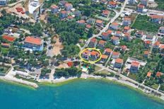 Ferienwohnung 749807 für 7 Personen in Mastrinka