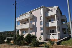 Ferienwohnung 753248 für 4 Personen in Seget Vranjica