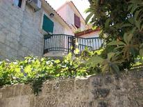 Ferienwohnung 753401 für 5 Personen in Trogir