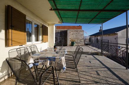 Für 5 Personen: Hübsches Apartment / Ferienwohnung in der Region Kroatische Adriaküste