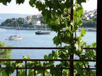 Appartamento 761267 per 5 persone in Okrug Gornji