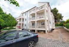 Appartement 761308 voor 4 personen in Okrug Gornji