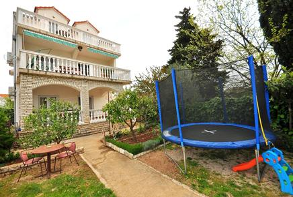 Für 3 Personen: Hübsches Apartment / Ferienwohnung in der Region Srima