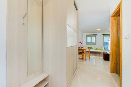Für 3 Personen: Hübsches Apartment / Ferienwohnung in der Region Maslenica