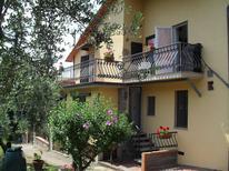 Appartement 763796 voor 5 personen in Marliana