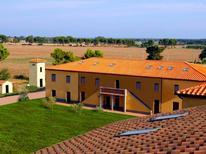 Appartement 765728 voor 4 personen in Populonia