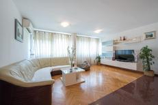 Ferienwohnung 770403 für 4 Personen in Split