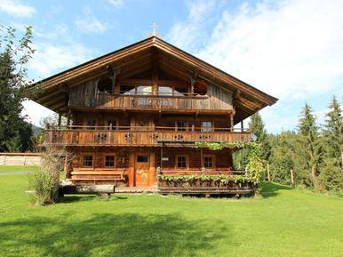 Gemütliches Ferienhaus : Region Tirol für 9 Personen