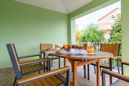 Für 6 Personen: Hübsches Apartment / Ferienwohnung in der Region Kroatische Inseln