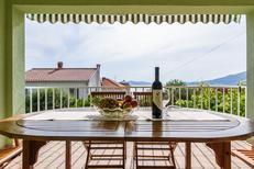 Appartement 788017 voor 5 personen in Okrug Gornji