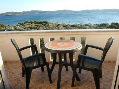 Für 3 Personen: Hübsches Apartment / Ferienwohnung in der Region Sveti Filip i Jakov