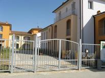 Appartement 790484 voor 2 volwassenen + 1 kind in Pisa