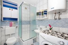 Appartement 793619 voor 5 personen in Makarska