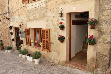 Gemütliches Ferienhaus : Region Balearen für 5 Personen