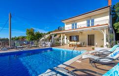 Ferienhaus 801698 für 9 Personen in Zavratnica