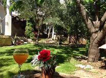 Casa de vacaciones 804656 para 8 personas en Okrug Gornji