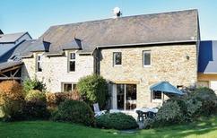 Casa de vacaciones 807819 para 4 adultos + 1 niño en Cerisy-la-Forêt