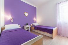 Appartement 808579 voor 5 personen in Okrug Gornji