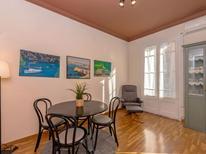 Appartement 819434 voor 3 personen in Barcelona-Eixample