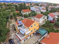 Appartement 832103 voor 4 personen in Maslenica