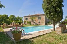 Villa 833044 per 10 persone in Asciano