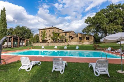 Gemütliches Ferienhaus : Region Chiusdino für 8 Personen